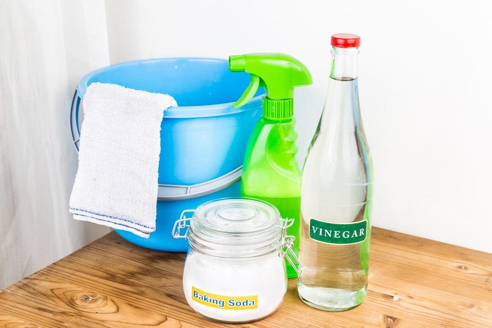 diy fridge cleaner solution